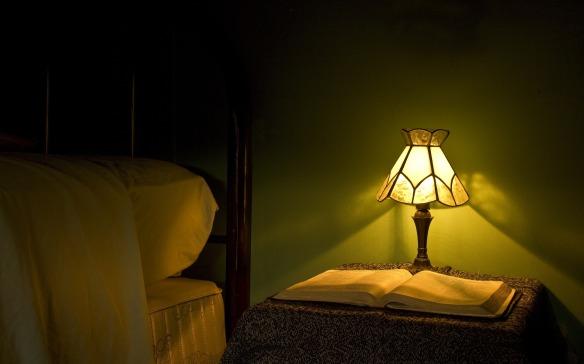 lamp-872946_1920