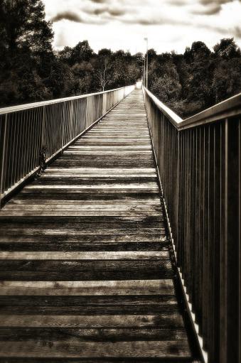 bridge-621522_1920